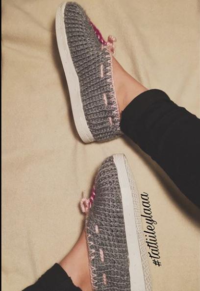 Leyla hanımın örgü ayakkabı modelleri