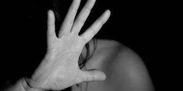 hand 1832921 960 720 360x180 - Kadına Şiddetin Cezası Nedir?