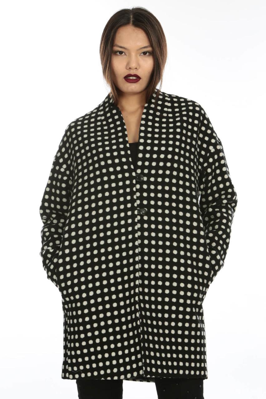 puantiye kaban - 2018 Kışının En Trend Sokak Modası Kıyafetleri